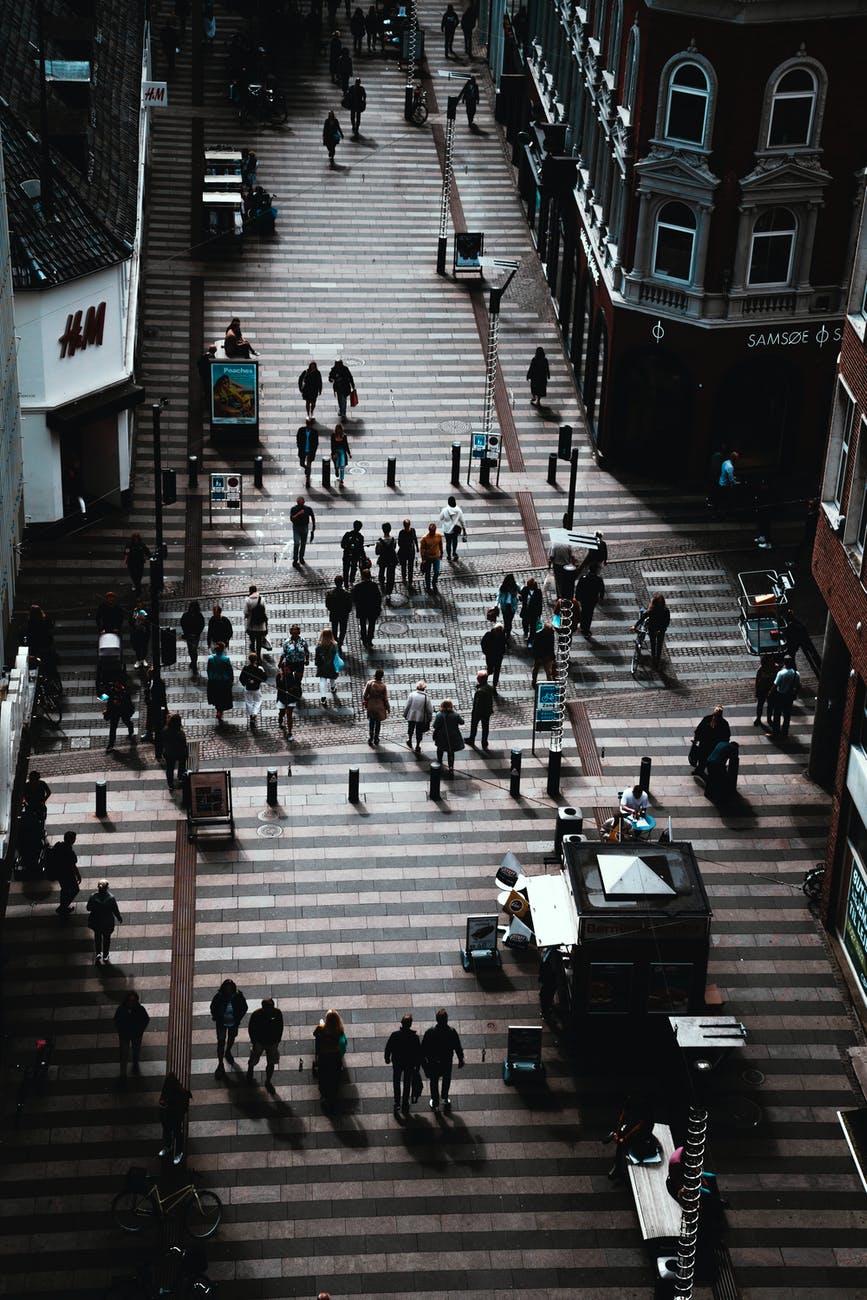 ville gens rue marcher